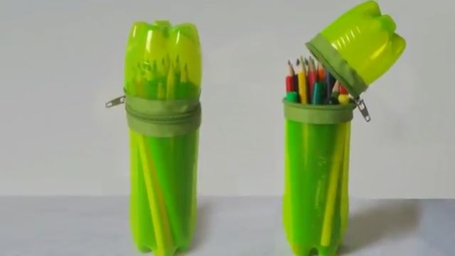 Membuat tempat pensil dari botol bekas swakarya do it for Easy wealth out of waste