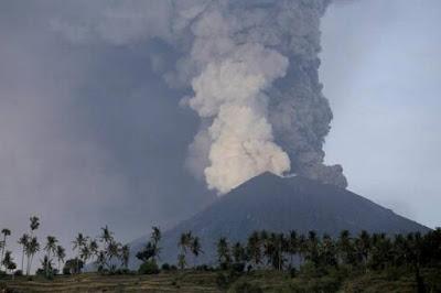 Dampak Positif dan Negatif Gunung Berapi Meletus