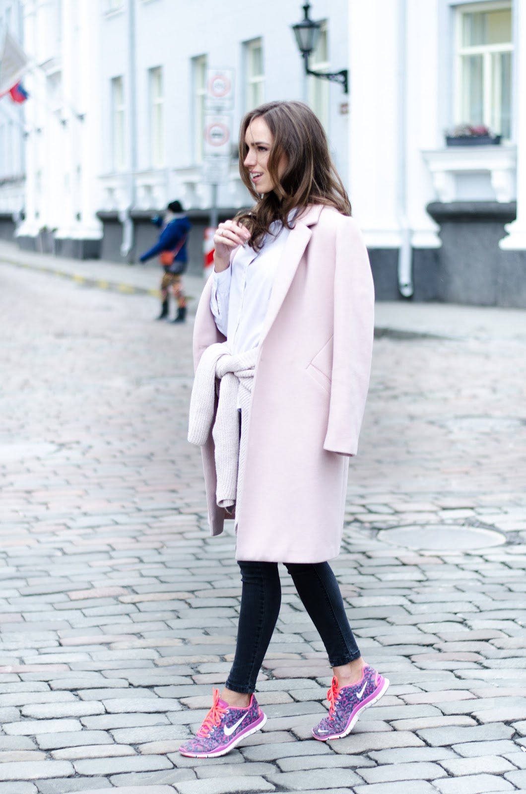 winter coat sneakers outfit