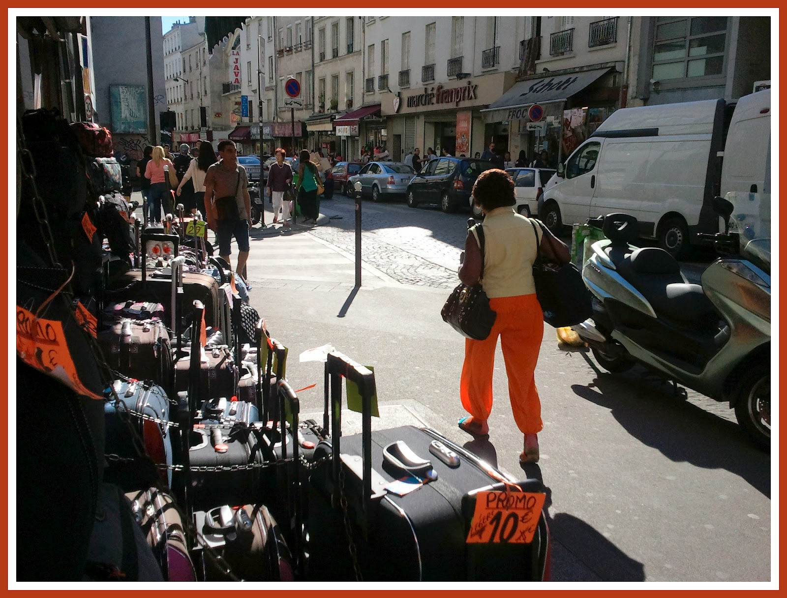 Shopping rue du faubourg du temple à Paris Forum Paris Routard