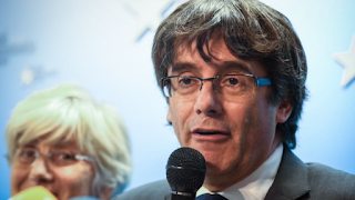 Catalonia crisis: Arrest warrant issued for ex-leader Carles Puigdemont