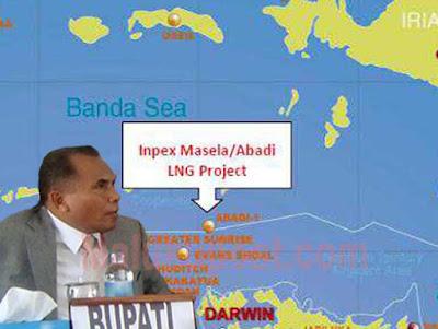 """Saumlaki, Malukupost.com - Bupati Maluku Tenggara Barat (MTB), Bitsael S. Temmar optimistis kilang minyak dan gas bumi (migas) Blok Masela yang dikembangkan oleh INPEX (Jepang) dan Shell (Belanda) akan dibangun di daerah itu. """"Kita sejak awal sudah menyiapkan diri. Bahkan, proyek ini jadi karena peran MTB. Kita mulai dari tahun 2000 dengan membantu memfasilitasi kegiatan-kegiatan penyelidikan umum sampai dengan konstruksi awal yang dilakukan oleh INPEX,"""" katanya di Saumlaki, Jumat (11/11). Bupati dua periode yang masa jabatannya akan berakhir pada April 2017 itu menyatakan, selain turut memfasilitasi berbagai kegiatan sejak awal, Pemkab MTB juga telah melakukan berbagai hal dalam upaya menyiapkan masyarakat daerah """"Daun dan Lolat"""" ini untuk menyambut beroperasinya perusahaan migas tersebut di daerah ini."""