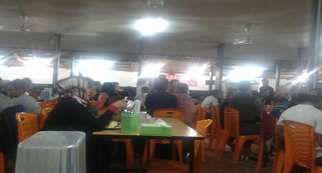Malam ini di Kedai Kopi Aceh Manado