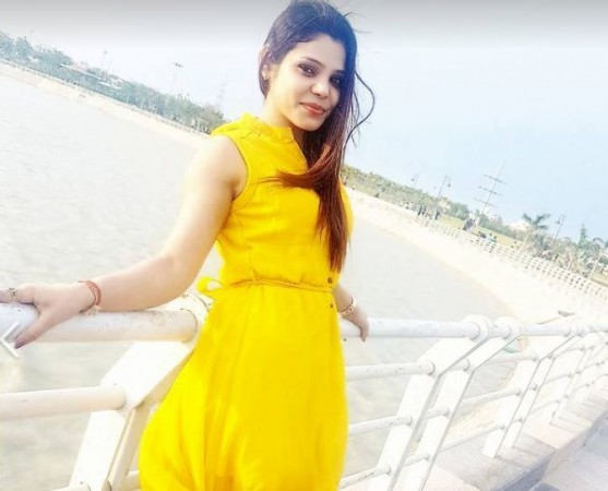 Kritika Chaudhary Latest Unseen Pictures