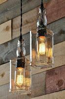 Lámparas con botellas de vidrio recicladas