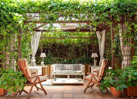 ไอเทมตกแต่งสวย เพิ่มไอเดียเก๋ เติมเสน่ห์สวนหน้าบ้าน