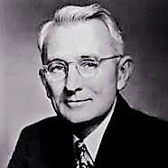 25 Quotes by Dale carnegie to inspire you