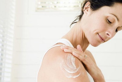 How to Protect and Moisturize Dry Skin During Fickle Weather!