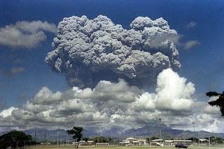 2. Letusan Gunung Pinatubo