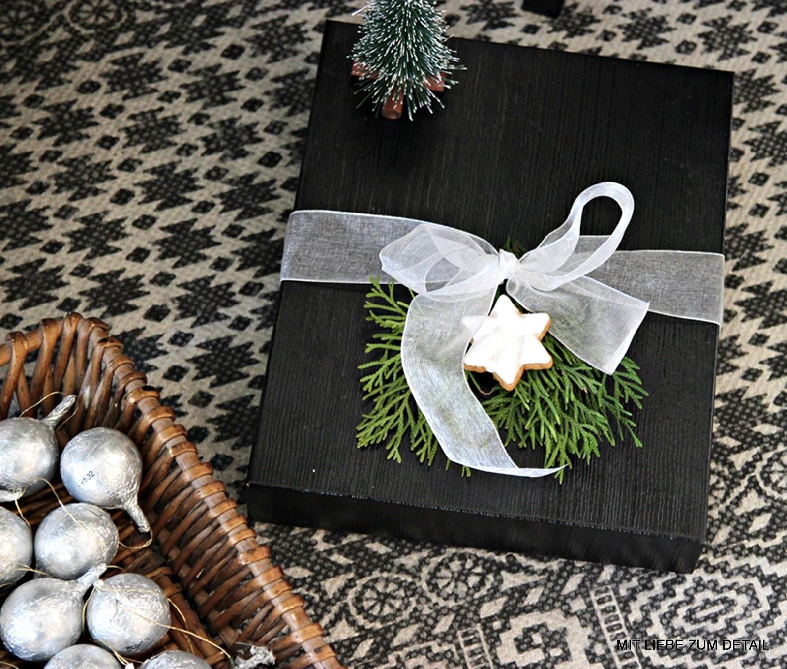 wie viele tage sind es noch bis zum weihnachtsfest mit. Black Bedroom Furniture Sets. Home Design Ideas