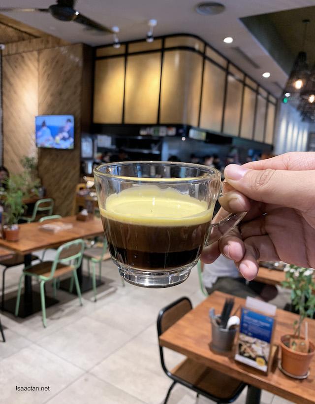 CÀ PHÊ TRỨNG (Vietnamese Drip Coffee with Egg) - RM9.90