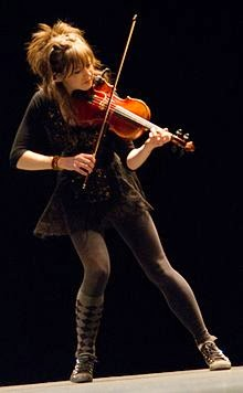 YouTuber Lindsey Stirling cute