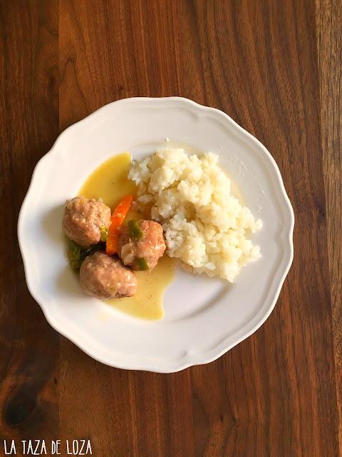 albóndigas-con-arroz-blanco