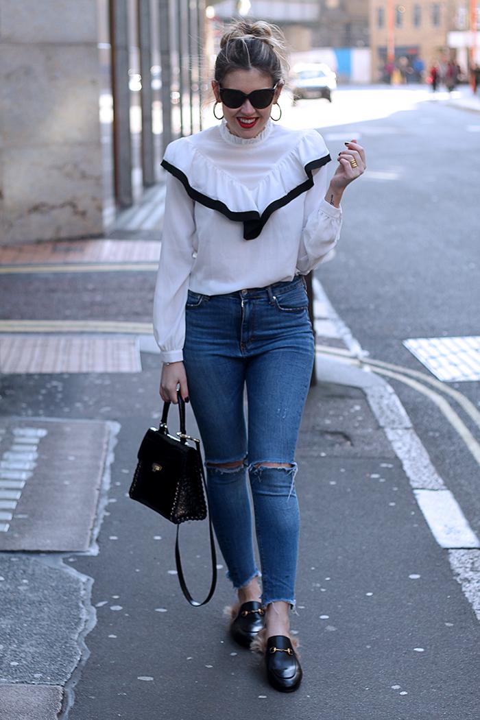 blusa de  volantes
