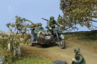 German motorcycle & sidecar de  Tamiya au 1/48.