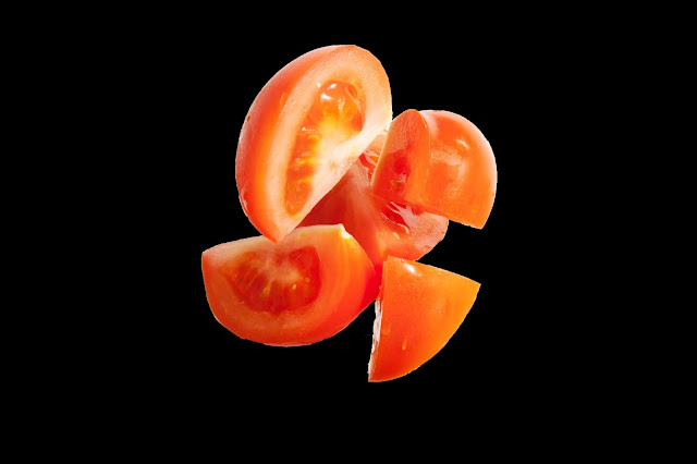 7 Amazing Tomato Benefits For Your Skin