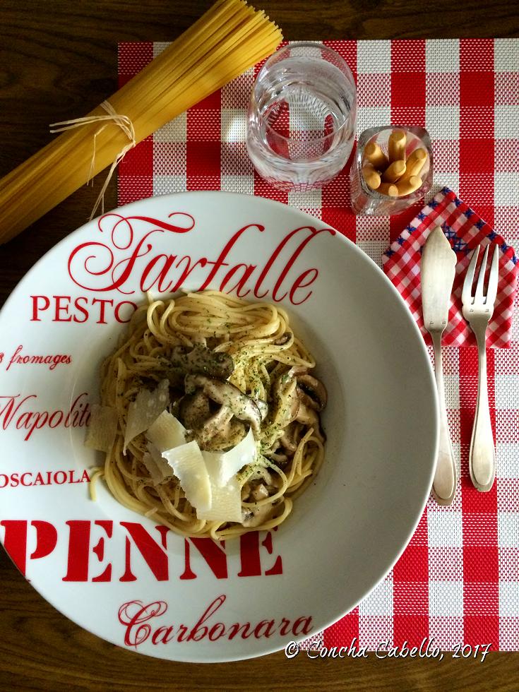 espaguetis-shiitake-mesa