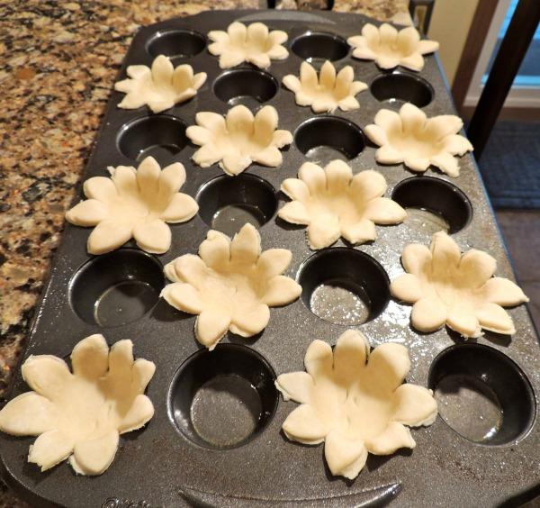 Pumpkin Pie Flowers in pan from Walking on Sunshine Recipes