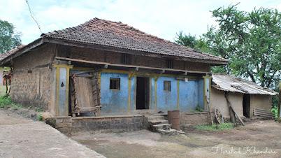 अस्सल ग्रामीण प्रशस्त घर