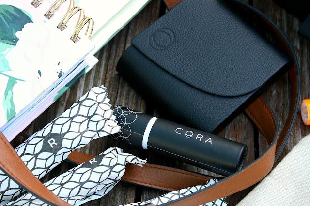 Cora Organic Tampons little black clutch