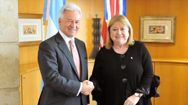 Argentina y Reino Unido firman declaración conjunta sobre Malvinas