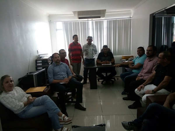 Vereadores de Delmiro Gouveia recebem comerciantes e conversam sobre novo Projeto de Lei do Executivo que prevê redução da COSIP