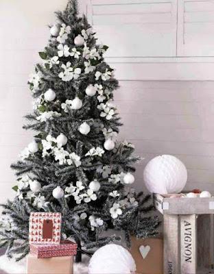Gambar Dekorasi Pohon Natal Cantik Sekali