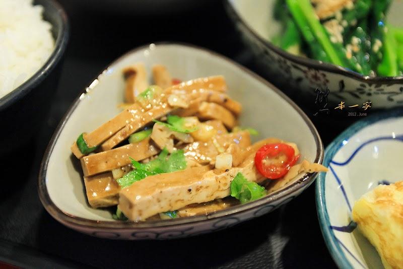 無國界創意料理廚房|台東窄門餐廳|無國界餐廳