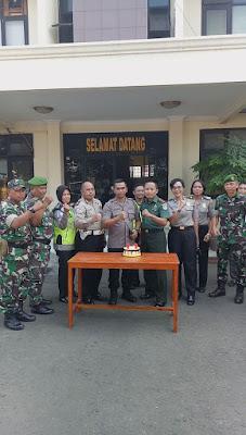 Digrudug Anggota TNI, Polsek Tambun Dapat Ucapan Hari Jadi Ke-72