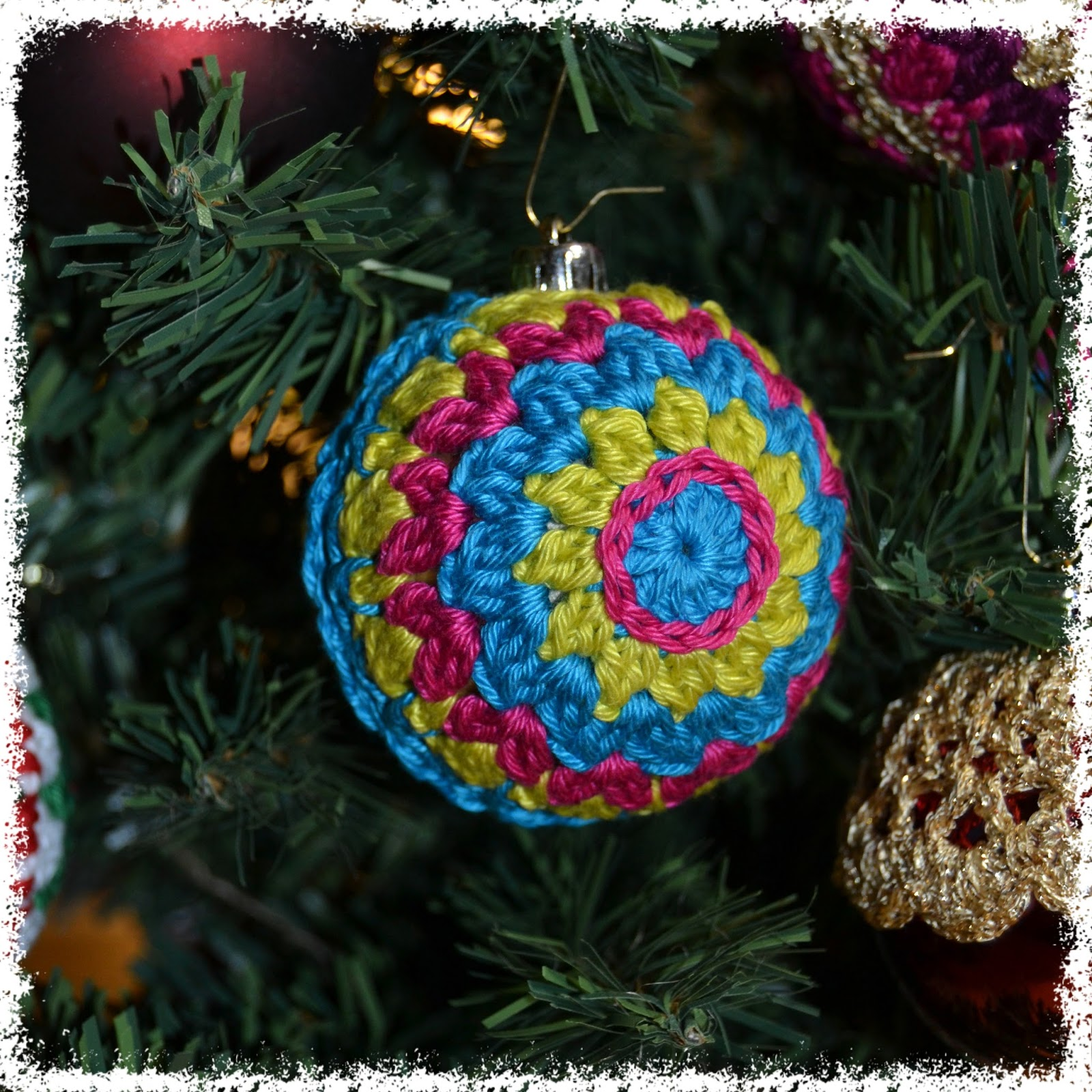 Do not know how to weave baubles with names 9