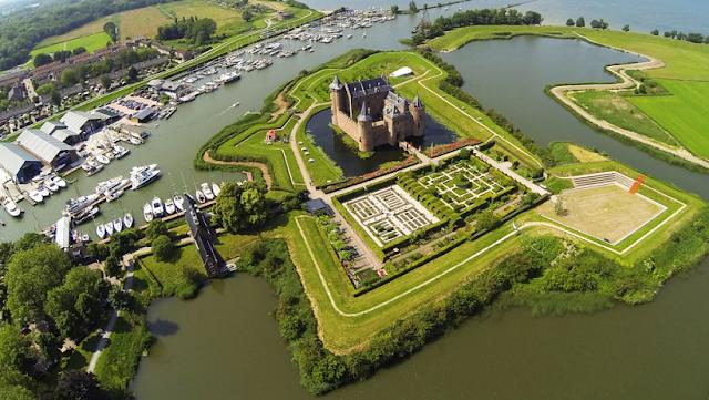 Castelo Muiderslot em Asmterdã na Holanda