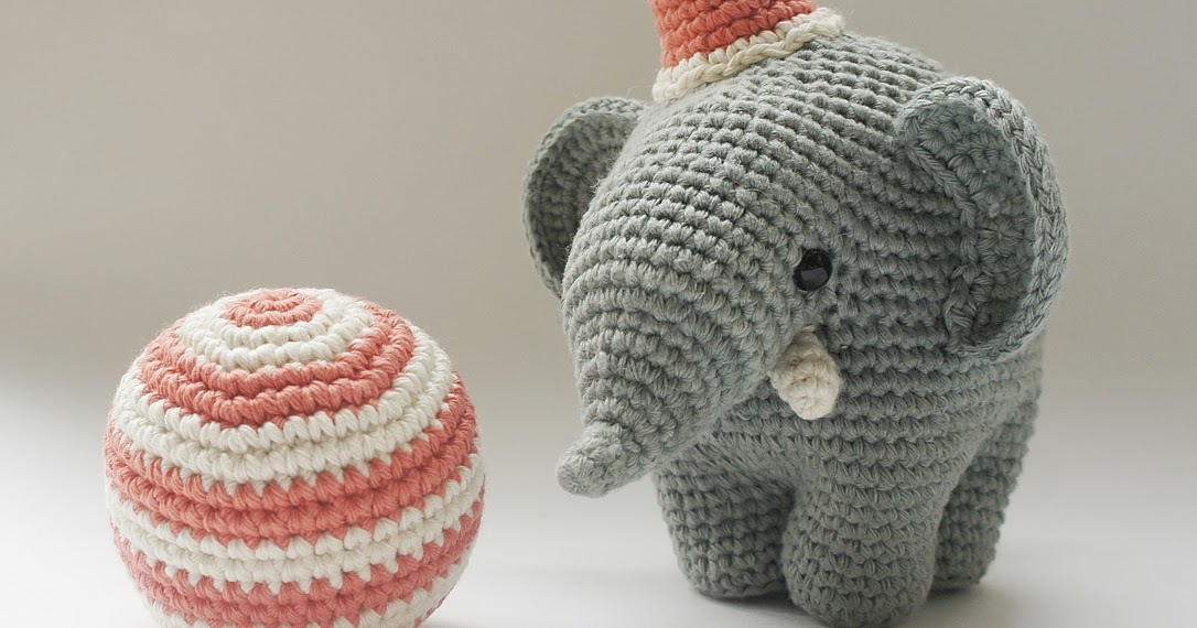 Amour Fou | Crochet }: { Gustav, the balancing elephant    }