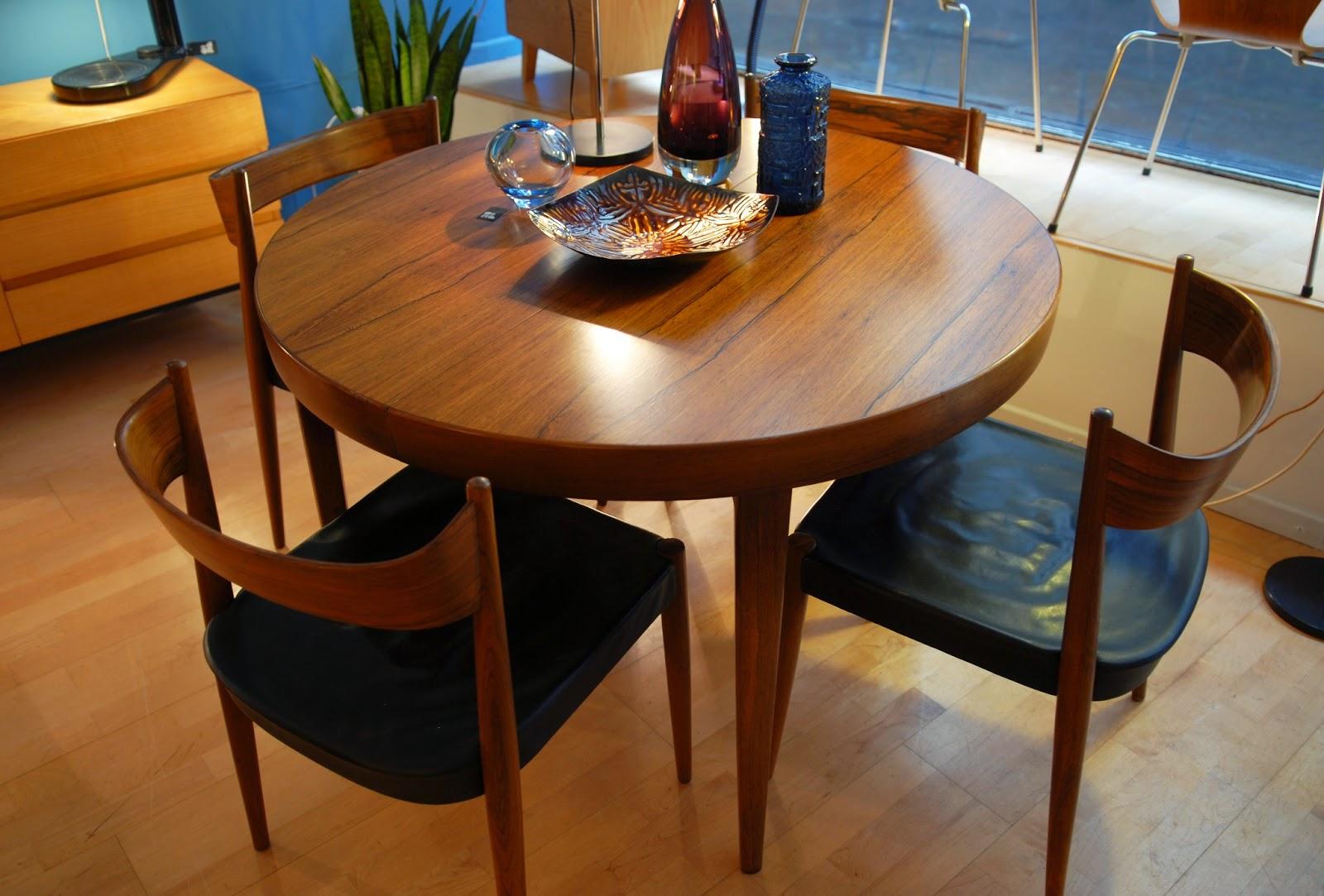 table ronde avec rallonge design conceptions de maison. Black Bedroom Furniture Sets. Home Design Ideas