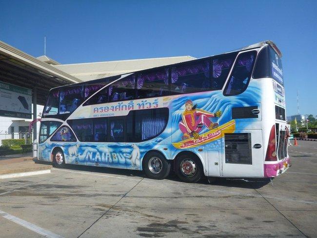 Рисунок сноурбатиста на автобусе