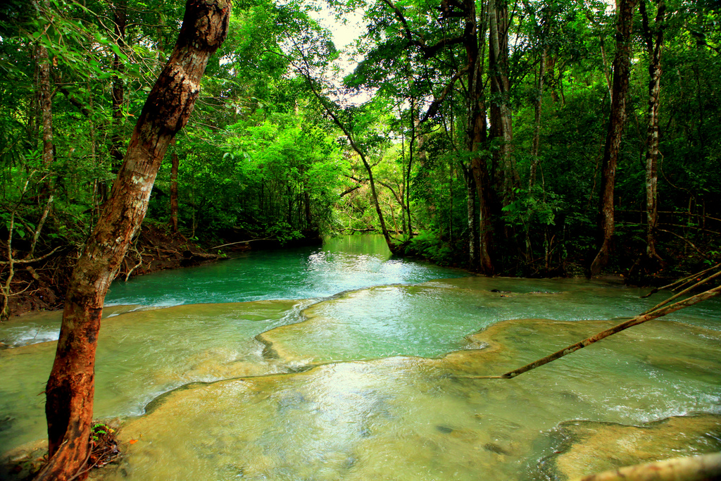 Air Terjun Mata Jitu di Sumbawa