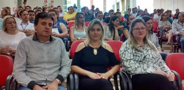 Prefeitos participam de palestra em Roncador