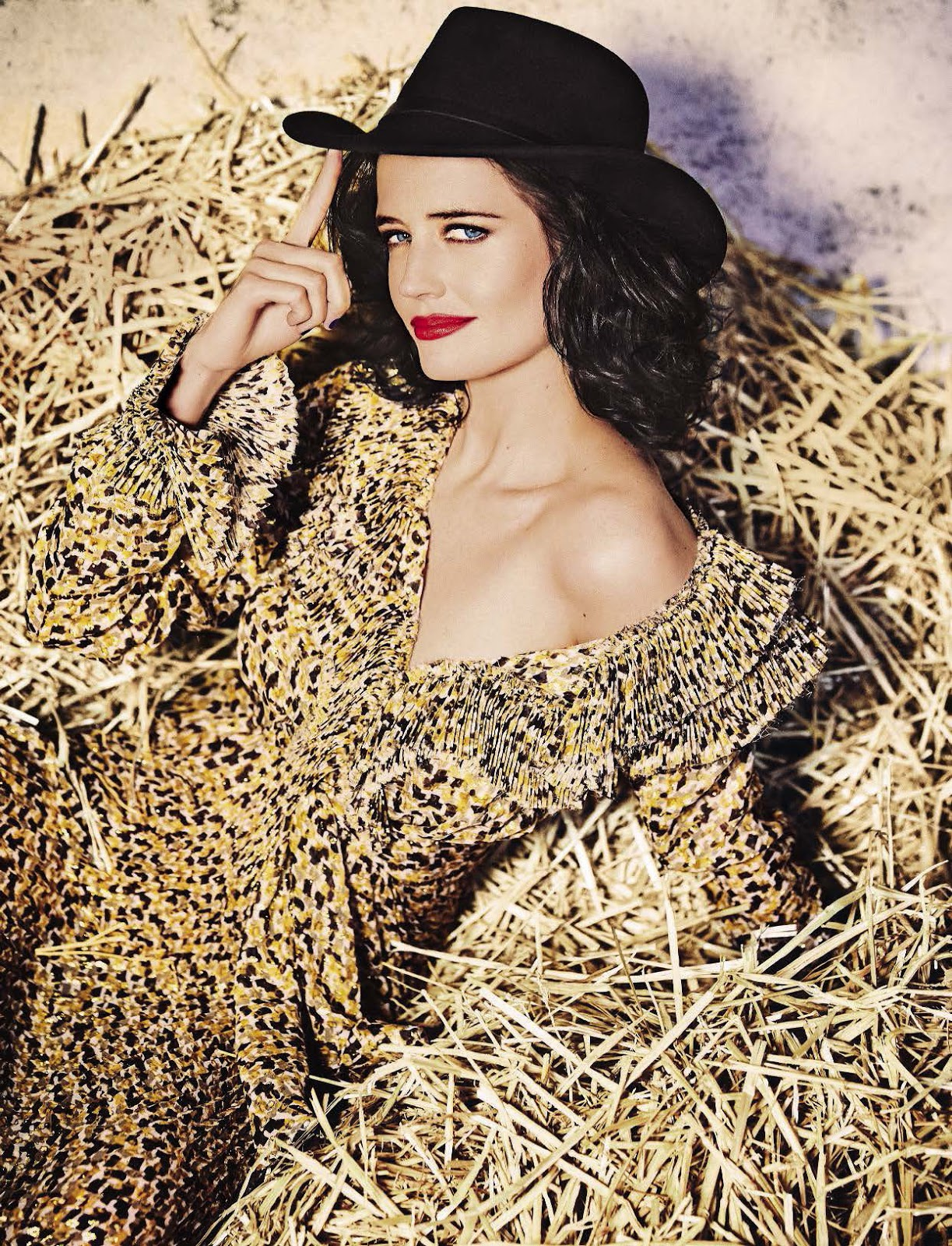 Smile: Eva Green in Glamour Italia August 2016 by Ellen ... Eva Green
