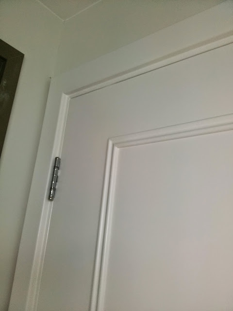 Detalhes pintura de portas