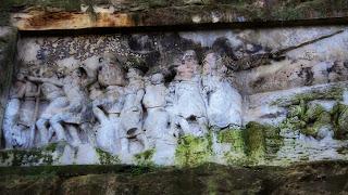 Esculturas em Rocha Despertam a Curiosidade, em Orleans