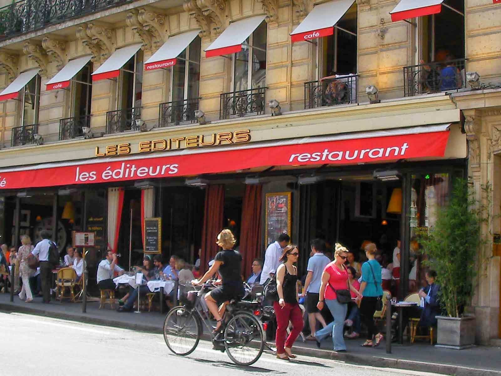 Hay un lugar para un café en París