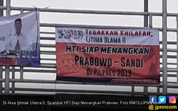 Di Area Ijtimak Ulama II, Spanduk HTI Siap Menangkan Prabowo