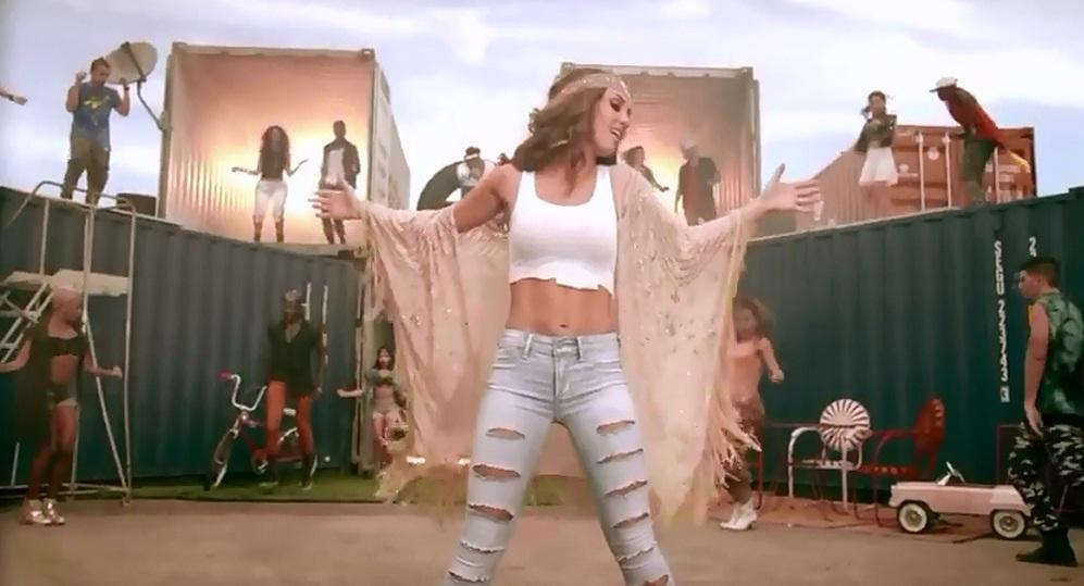c3402360ce1e6 ... de la cantante mexicana Anahí del sexto álbum de estudio titulado  Amnesia. La canción es una colaboración con la cantante brasileña Zuzuka  Poderosa.