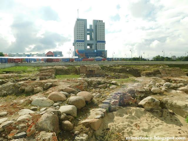 Калининград - руины замка и Дом Советов