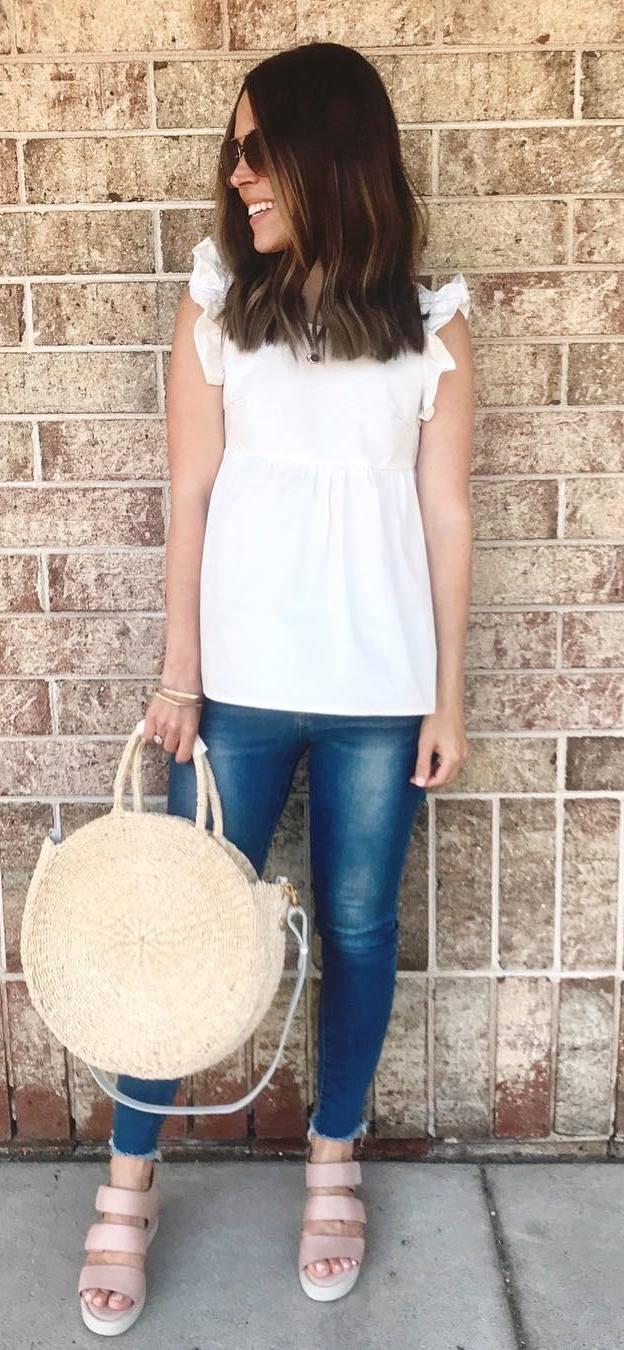 best summer outfit idea / white top + skinny jeans + bag + platform sandals