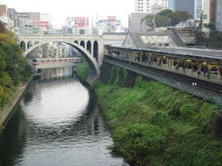 sungai di tokyo