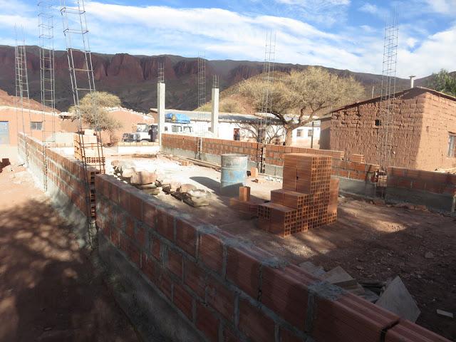 Kapellenbau in Casa Grande: Zwei Wochen wird dort pausiert, da die Leut' mit der Aussaat beschäftigt sind. Nach Allerheiligen werden wir weiterarbeiten.