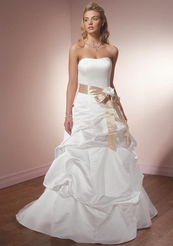 Princess Wedding Gowns | Disney Princess Wedding Gowns ...