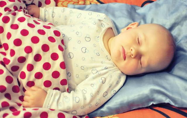 sposoby-na-spokojny-sen-u-dziecka