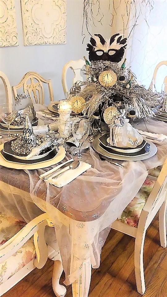 Uniquely ella: Winter wonderland New Years table setting.