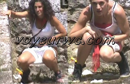 Girls Gotta Go 11 (Spanish Outdoor Voyeur Pissing)